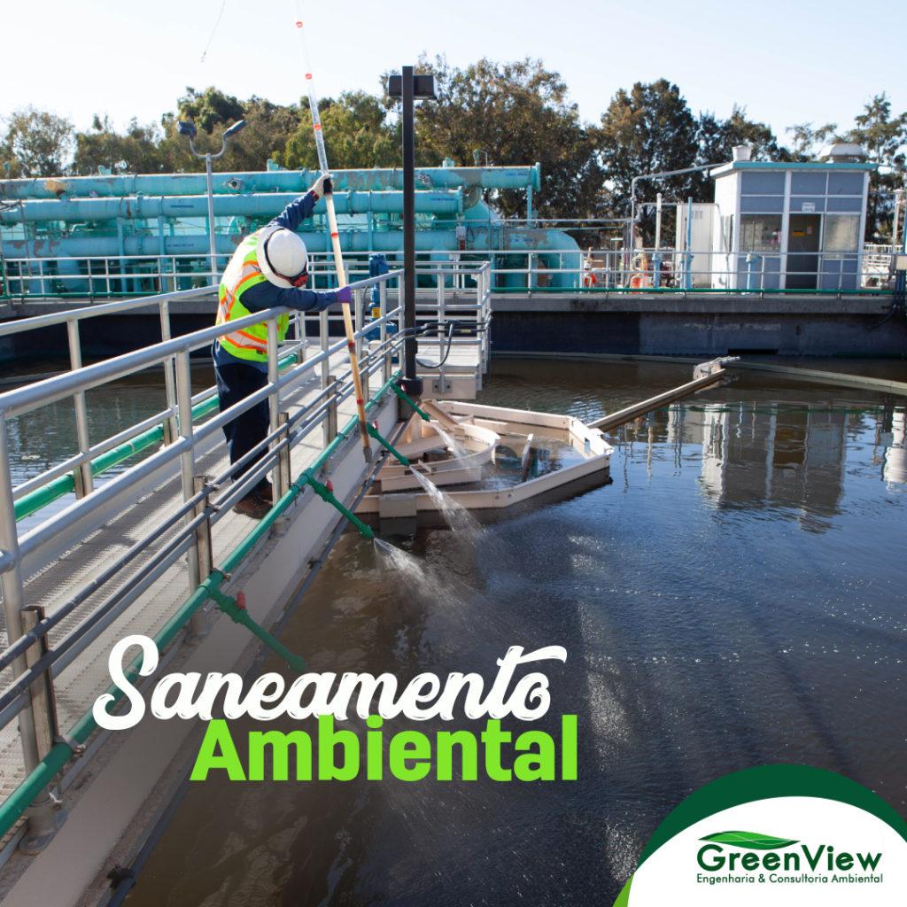 Homem em uma estação de tratamento de água com o texto Saneamento Ambiental